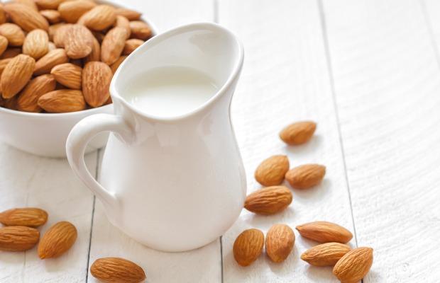 Almond-milk 620+400