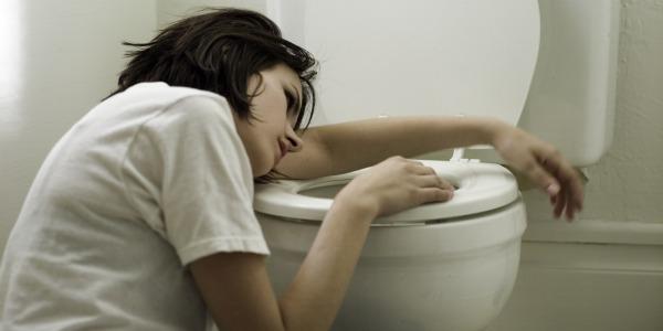 nausea en baño 600-300