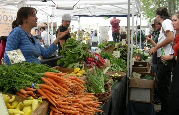 Farmers'_Market 620+400