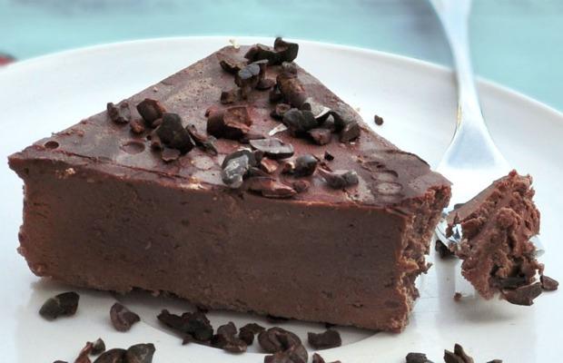 Raw-Chocolate-Fudge-Cake 620-400
