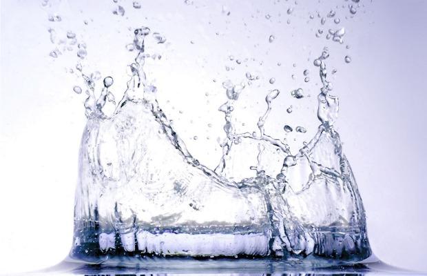 water imagen salpicando 620+400