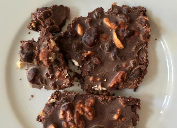 chocolate frutos del bosque en plato 620+450