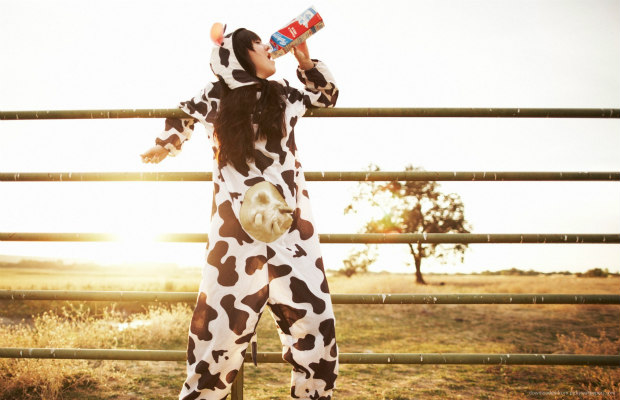 girl-in-a-cow-pyjama-drinking-milk 620+400